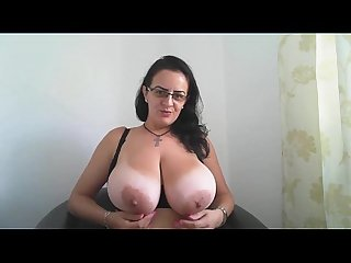 Huge natural tits milf webcam hottie camsxrated com