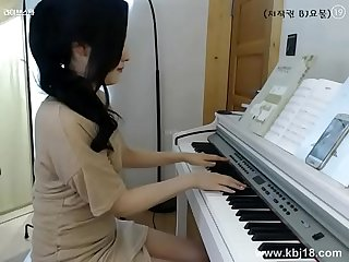 Cute Korean girl masturbate more sexgirlcamonline com