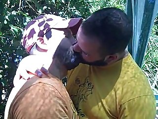 Bear kiss