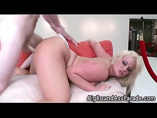 Round booty bounces while slut gets fucked