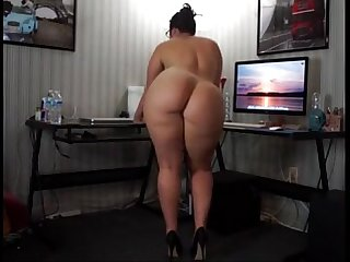 Big ass webcam strip www ispywithmyhiddencam com
