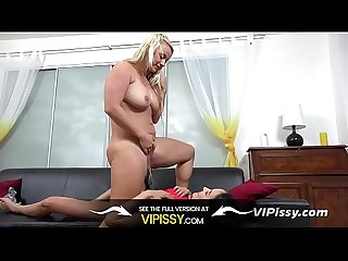 VIPissy - Lesbian piss drinking and pussy play for Francys Belle and Lilith