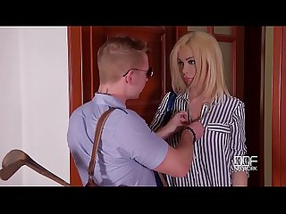 Milf chessie kay s last minute hardcore titty fuck at the doctor s office