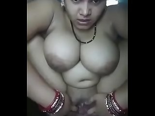 Desi bhabhi masterbating and squirting
