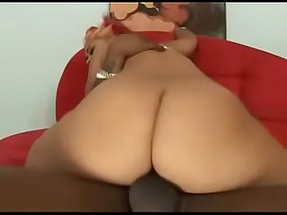 Thick bitch Pinky takes BBC - www.tubeempire.site