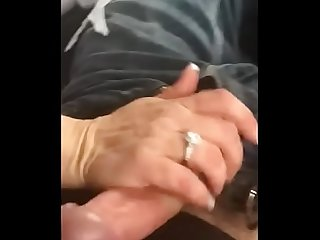 Married Woman Off Craigslist Gives Me A Handjob
