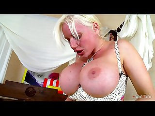 Silicone MILF has So Experienced Moves on a Shaft