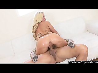 RealMomExposed - Milf Austin Taylor's Big Ass Gets Oiled Up
