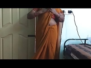 desi indian horny tamil telugu kannada malayalam hindi cheating wife wearing saree vanitha showing..