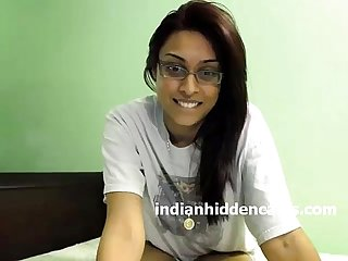Sexy Mumbai College Girl Nude On Live Indian Sex Chat - IndianHiddenCams.com