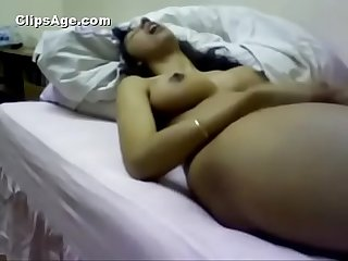 Self made video of desi Indian lady fingering her pussy and reaching orgasm