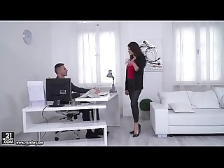 Francesca Dicaprio let her boss fuck her ass